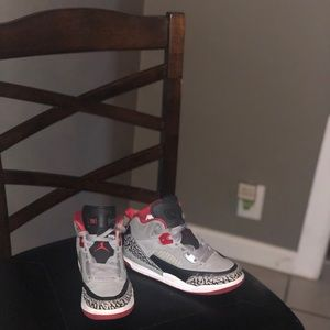 Little boys size 1 Jordan Spizike gray and red